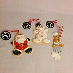 Department 56 Mrs. Claus' Sweet Shoppe Set of 3